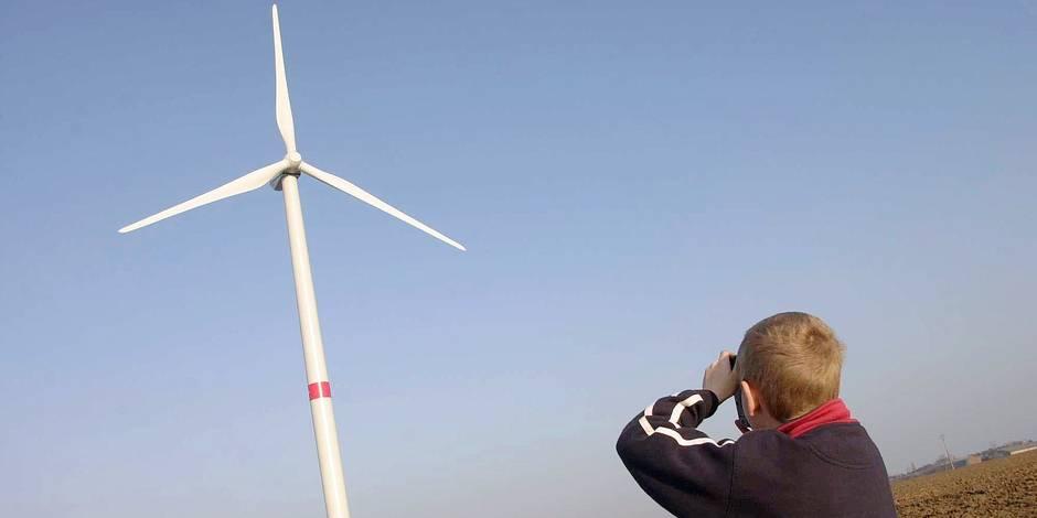 Parc d'éoliennes à Villers-le-Bouillet.