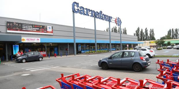 """Carrefour annonce 2.400 suppressions de postes en France, """"tous les doutes restent permis"""" en Belgique selon les syndica..."""