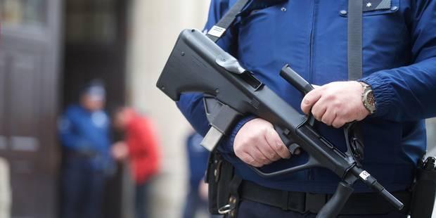 Agression armée dans un train Thalys : Mohamed Bakkali remis aux autorités judiciaires françaises - La Libre