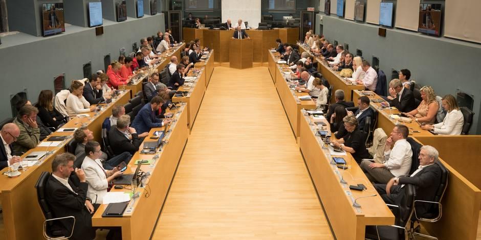 PS, MR, CDH et Ecolo: combien de collaborateurs pour les partis au Parlement wallon - La Libre