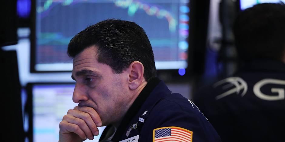 L'affolement gagne Wall Street, le Dow Jones perd plus de 6%