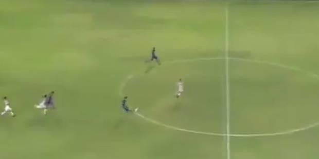 L'arbitre siffle la fin du match alors qu'une équipe a une grosse occasion de marquer (VIDEO) - La Libre