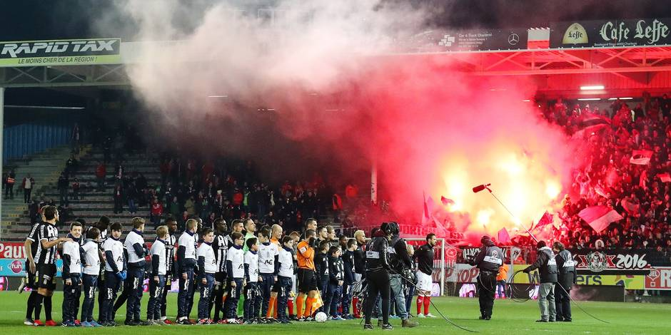 Illustration picture shows the start of the Jupiler Pro League match between Charleroi and Standard de Liege, in Charleroi, Sunday 04 December 2016, on day 17 of the Belgian soccer championship. BELGA PHOTO VIRGINIE LEFOUR