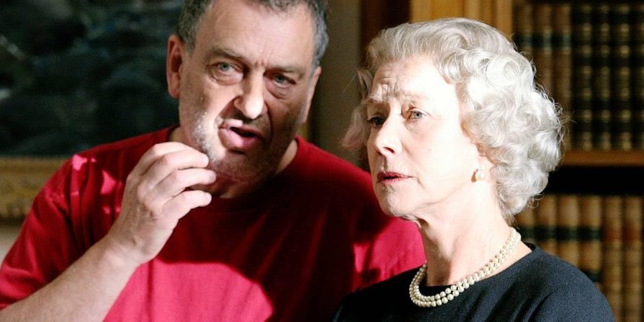 """Le réalisateur britannique Stephen Frears avec Helen Mirren sur le plateau de """"The Queen"""""""