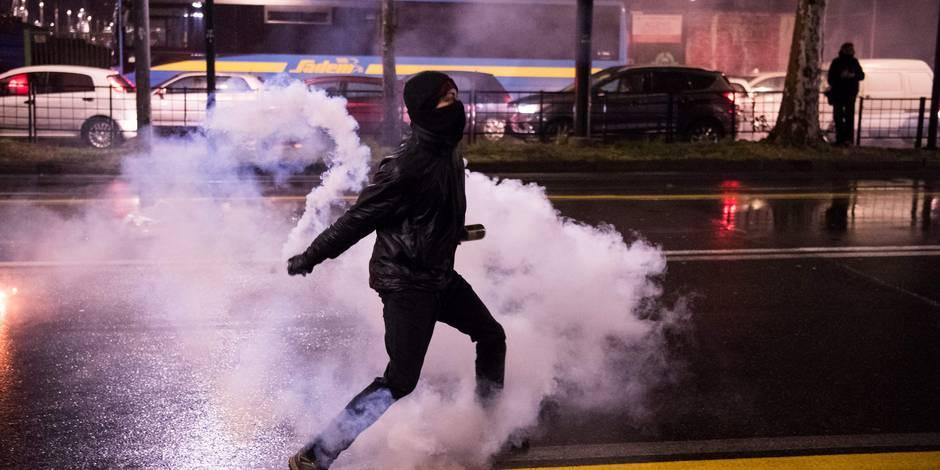 Echauffourées entre policiers et militants d'extrême gauche — Turin