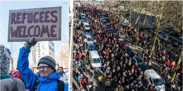Succès de foule pour la marche de soutien aux réfugiés: plus de 10.000 personnes selon les organisateurs - La Libre