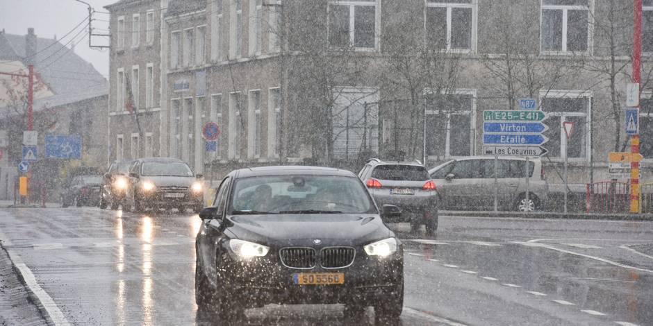 Appel à la vigilance sur les routes wallonnes après quelques chutes de neige