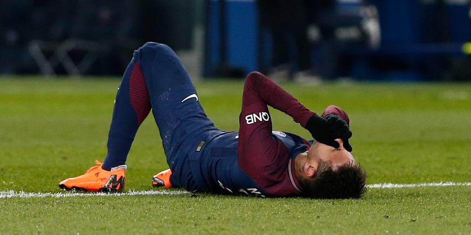 "PSG: Neymar ""sera opéré en fin de semaine au Brésil"""