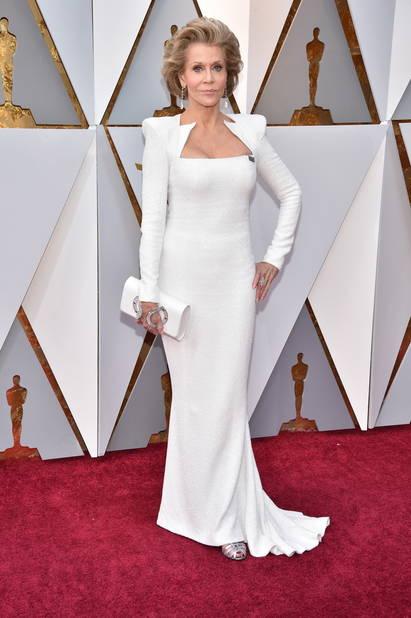 Jane Fonda incroyable d'élégance dans une robe créée par                          Olivier Rousteing