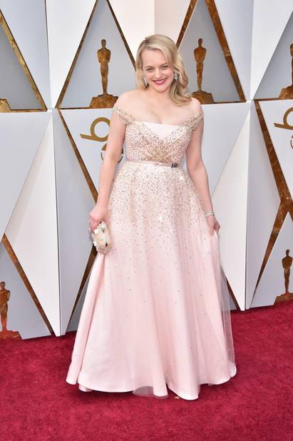 Elizabeth Moss en robe de princesse Christian Dior