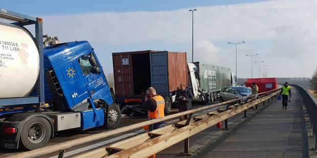 Une collision en chaîne sur la E314 fait un mort à Maasmechelen - La Libre