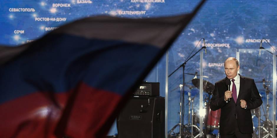 """A la veille des élections en Russie, """"bombarder le public avec le fantasme de menaces occidentales"""""""