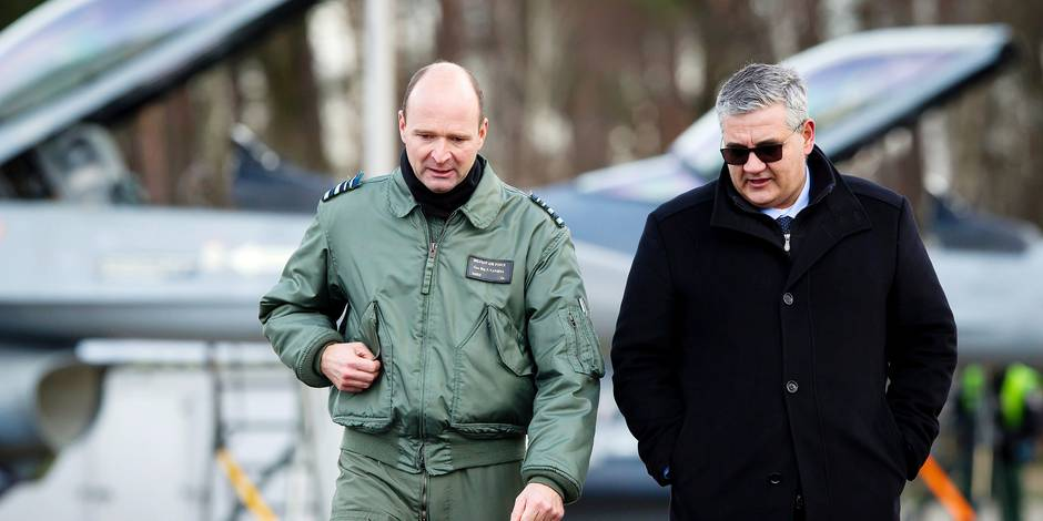 General Major Frederik Vansina (head of Belgian Air Force) and Minister of Defence and Public Service Steven Vandeput pictured during the return of Belgian F16 fighter planes from Operation Desert Falcon, Tuesday 26 December 2017, in Peer. BELGA PHOTO KRISTOF VAN ACCOM