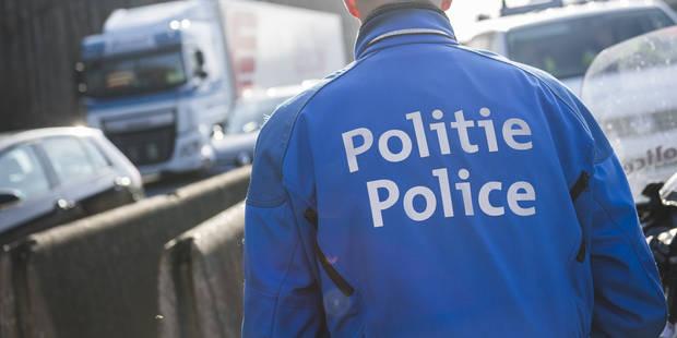 Un chauffard force un barrage routier à Couillet - La Libre