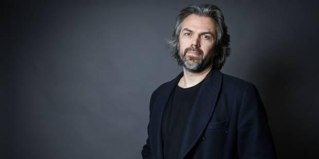 Aymeric Caron réclame plus de 100 000 euros pour un mois et demi de travail - La Libre