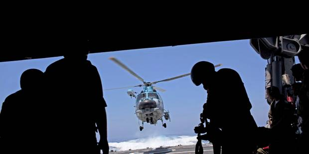 Un mort dans l'accident d'un hélicoptère de la marine italienne en mer Méditerranée - La Libre