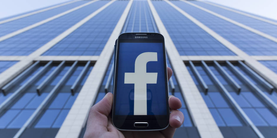 Comment l'Union Européenne profite de la polémique Facebook