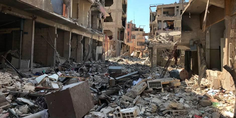 La DCA syrienne en action contre des missiles au-dessus de Homs