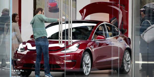 """Tesla suspend de nouveau la production de sa voiture """"Model 3"""" - La Libre"""