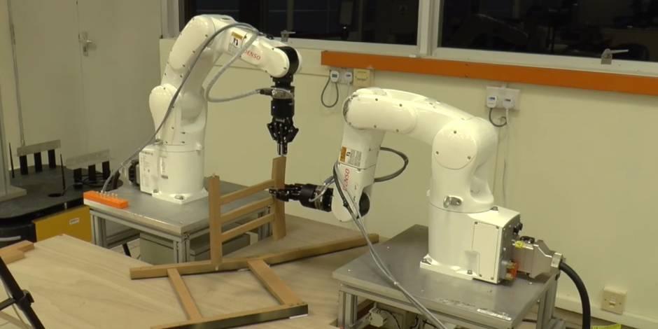Même les robots galèrent à monter un meuble Ikea