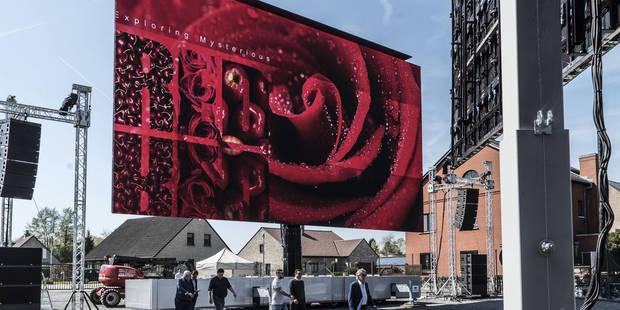 Une entreprise belge a développé le plus grand écran mobile au monde - La Libre