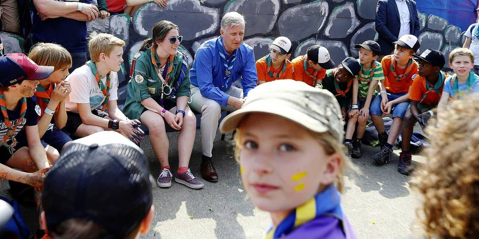 King Philippe - Filip of Belgium pictured during a royal visit to the 'BeSCOUT' gathering of about 25.000 members of 400 groups of the Scouts youth movement, Saturday 21 April 2018 in Louvain-la-Neuve. BELGA PHOTO NICOLAS MAETERLINCK
